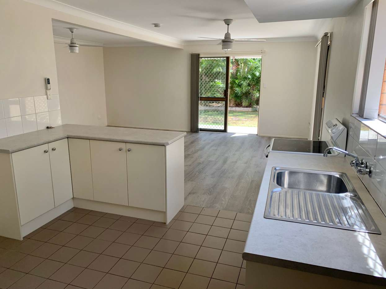 Main view of Homely townhouse listing, 2/2042 Gold Coast Highway, Miami, QLD 4220