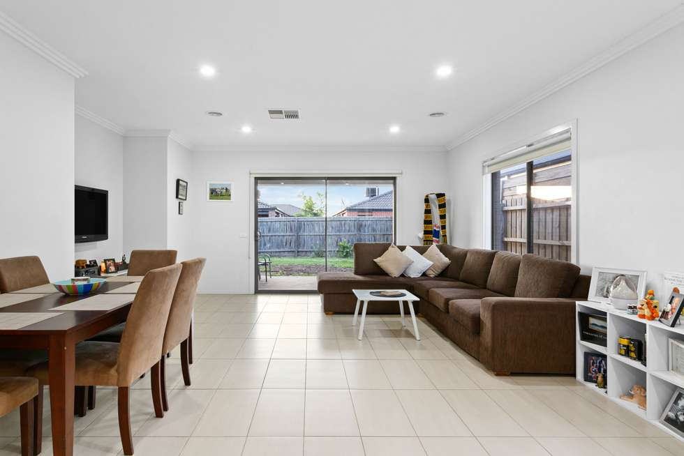 Third view of Homely house listing, 3 Pipit Close, Pakenham VIC 3810