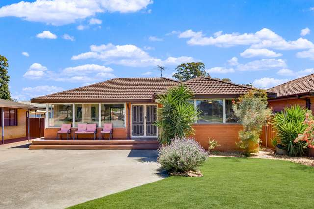 33 Glencoe Avenue, Werrington County NSW 2747