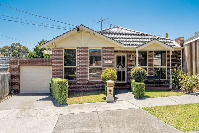 2/9 Harricks Crescent, Attwood VIC 3049