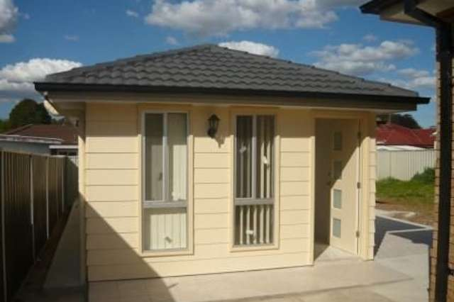 2A Hoyle Place, Greenfield Park NSW 2176