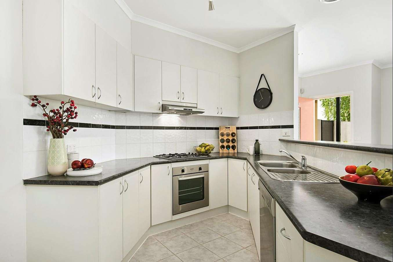 Main view of Homely unit listing, 2/20 Tulloch Grove, Glen Waverley, VIC 3150