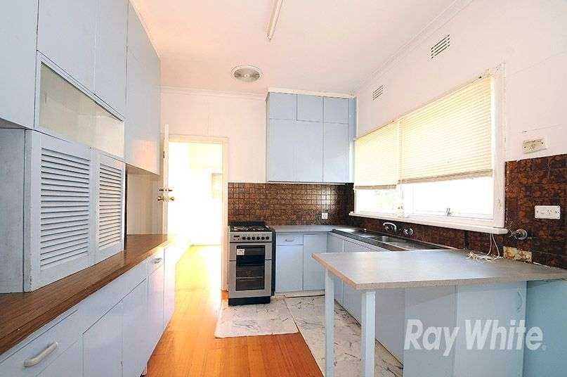 Main view of Homely house listing, 4 Meadow Crescent, Mount Waverley, VIC 3149