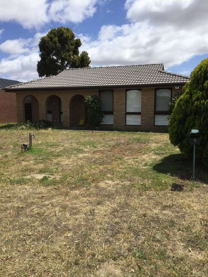 Main view of Homely house listing, 5 Grenville Place, Melton West, VIC 3337