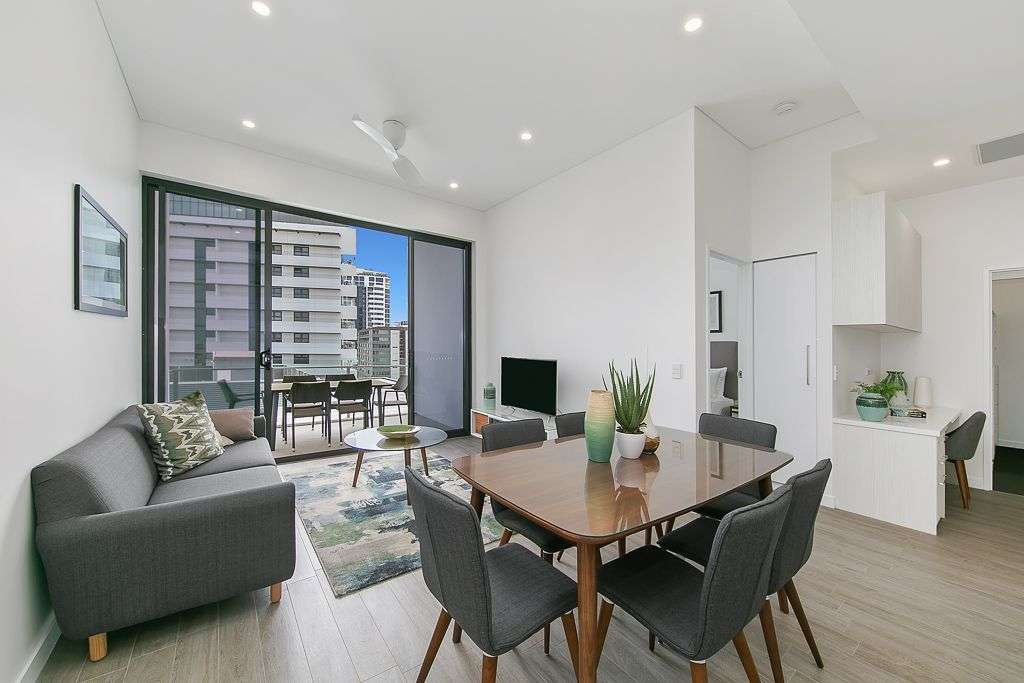 Main view of Homely apartment listing, 33 Remora Road, Hamilton, QLD 4007