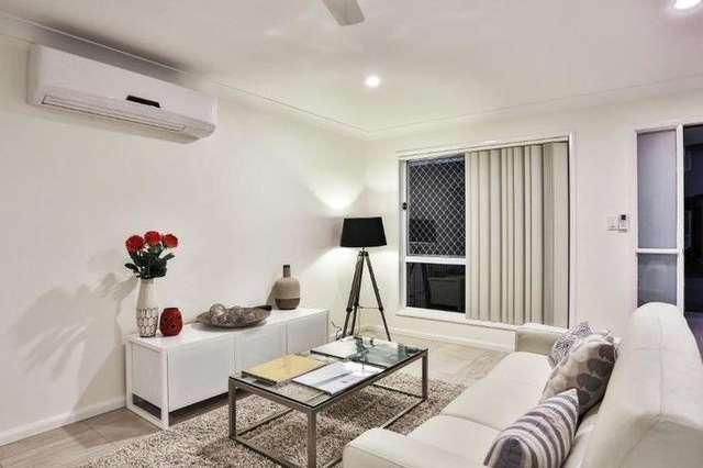 11 Emerald Place, Bridgeman Downs QLD 4035