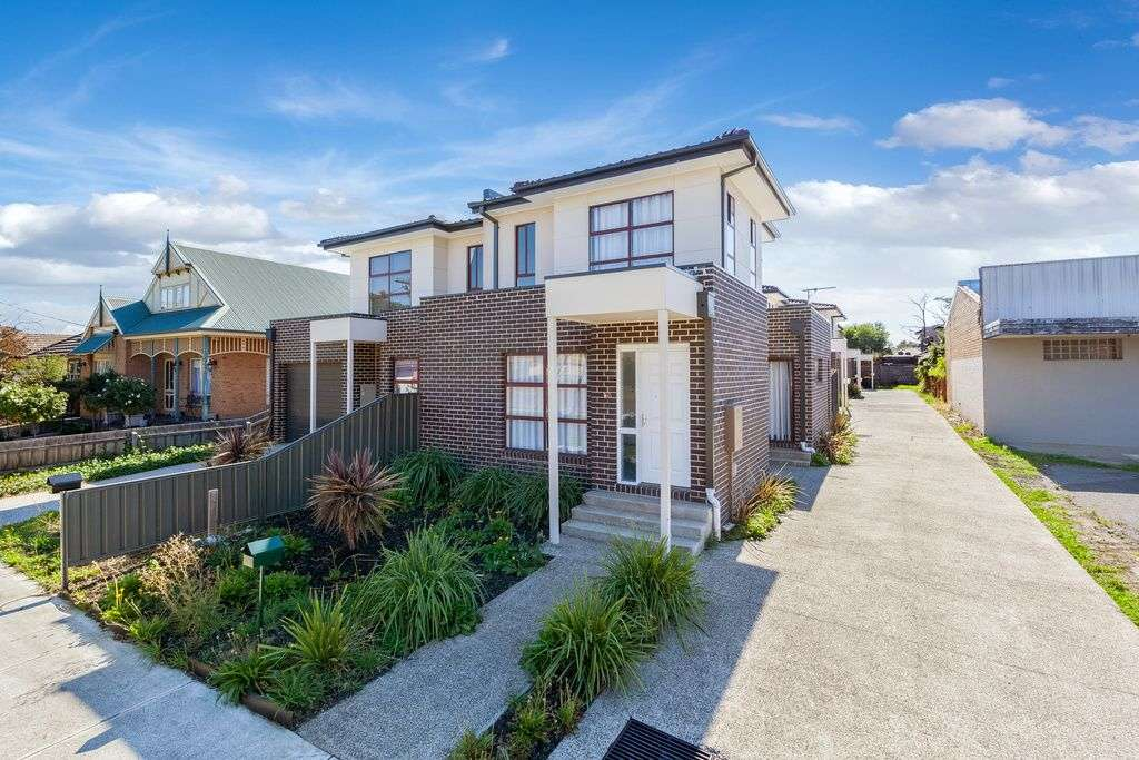 Main view of Homely house listing, 2/16 Elsey Road, Reservoir, VIC 3073