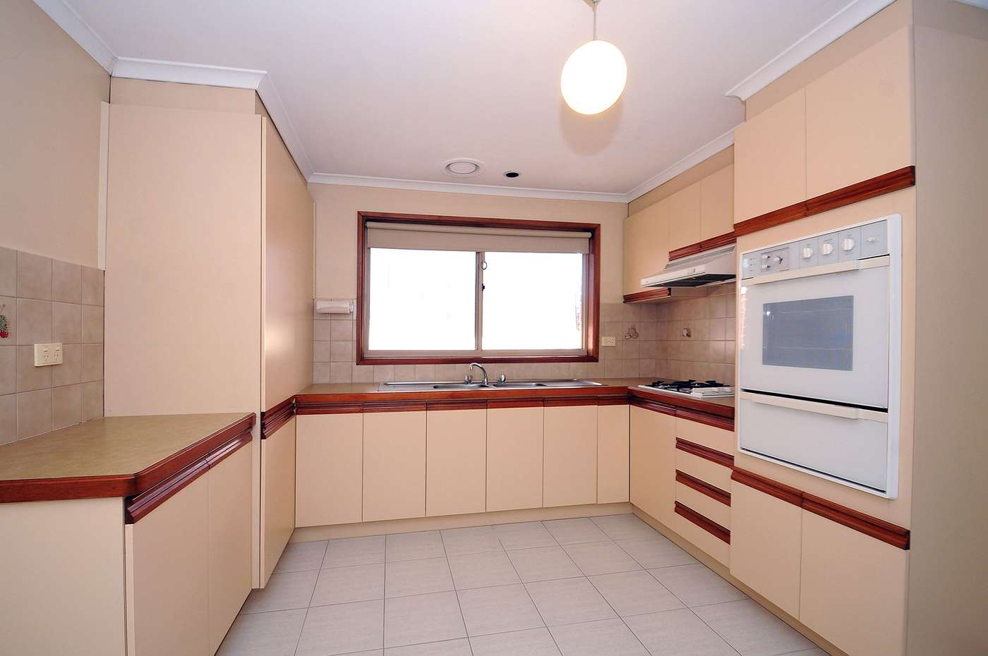 Main view of Homely unit listing, 2/738 Waverley Road, Glen Waverley, VIC 3150