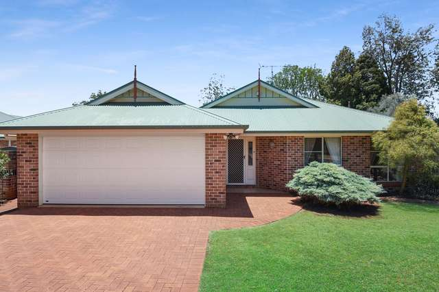 3 Emerald Court, Middle Ridge QLD 4350
