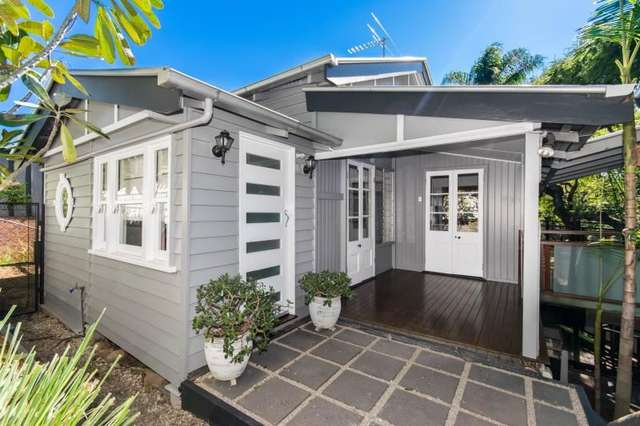 7 Northam Avenue, Bardon QLD 4065