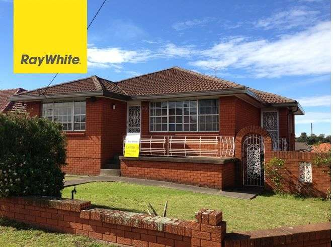 Main view of Homely house listing, 23 Weringa Avenue, Lake Heights, NSW 2502