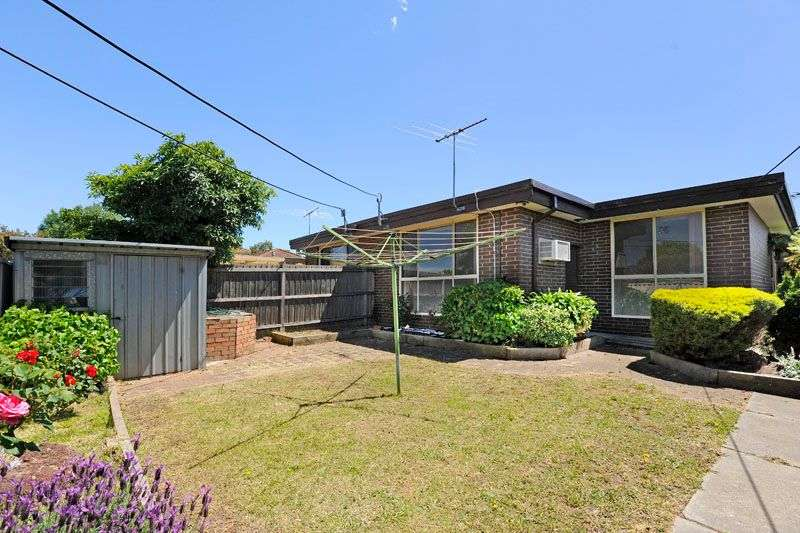Main view of Homely unit listing, 1/62 Snell Grove, Oak Park, VIC 3046