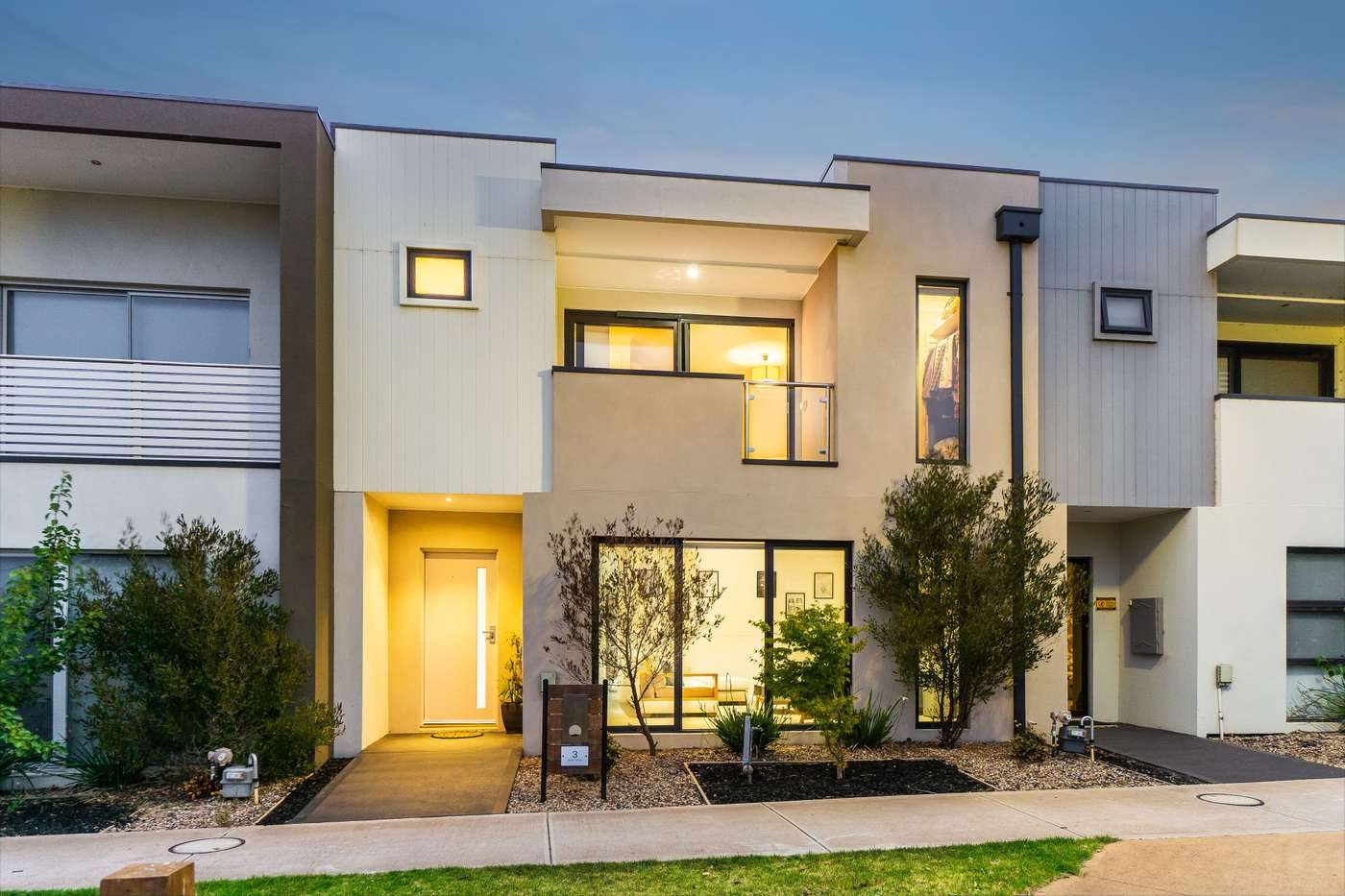 Main view of Homely house listing, 3 Bohr Walk, Fraser Rise, VIC 3336