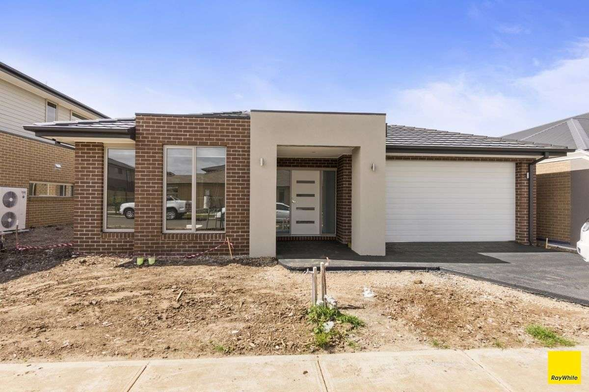 Main view of Homely house listing, 33 Morialta Circuit, Werribee, VIC 3030