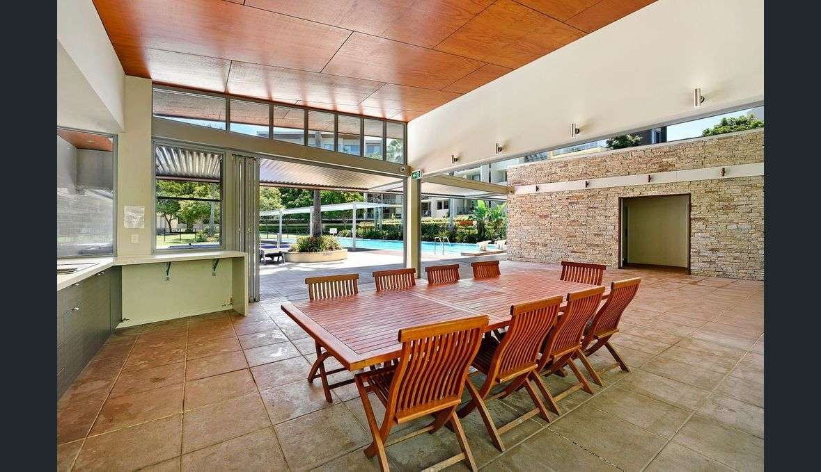 Main view of Homely unit listing, 2/154 Musgrave Avenue, Southport, QLD 4215