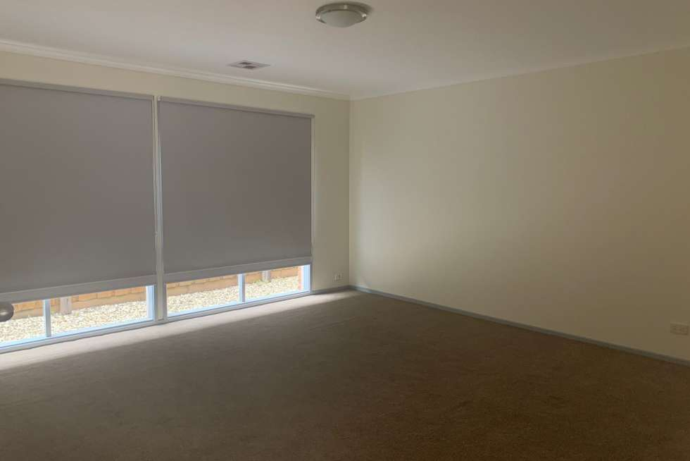 Fifth view of Homely house listing, 4 Whistler Walk, South Morang VIC 3752