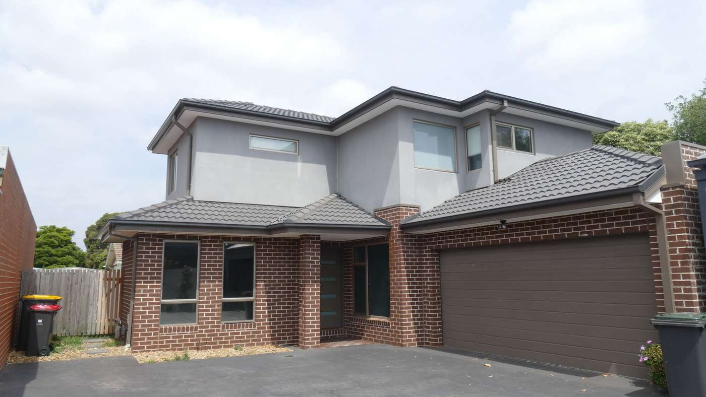 Main view of Homely townhouse listing, 2/50 Golf Links Avenue, Oakleigh, VIC 3166