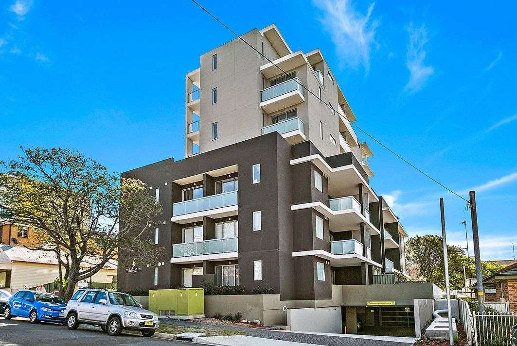Main view of Homely unit listing, 6-8 Hercules Street, Wollongong, NSW 2500