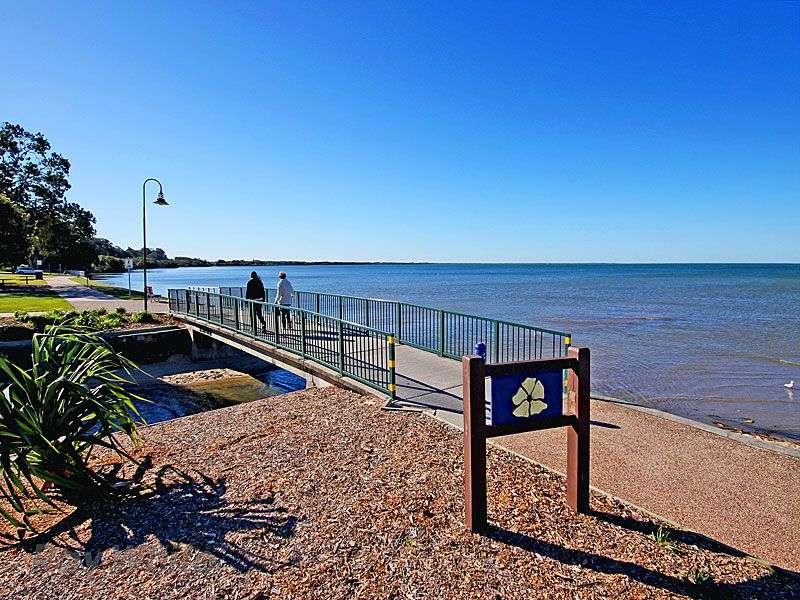 77 grosvenor terrace, deception bay, qld 4508 - house for