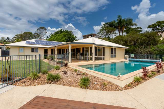 15 Barnhill Terrace, Edens Landing QLD 4207