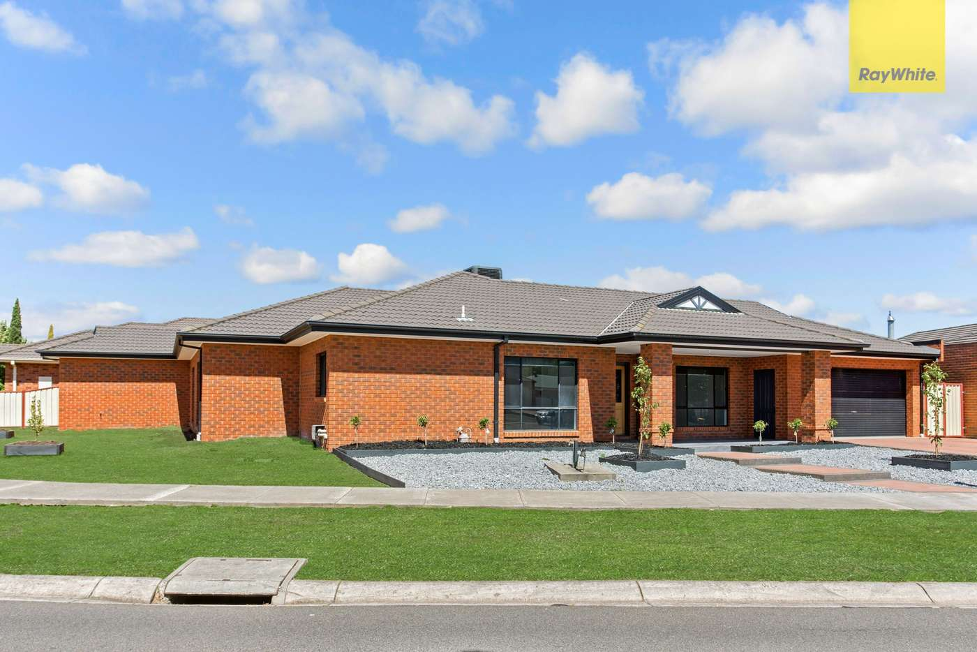 Main view of Homely house listing, 32 Cambridge Crescent, Taylors Lakes VIC 3038