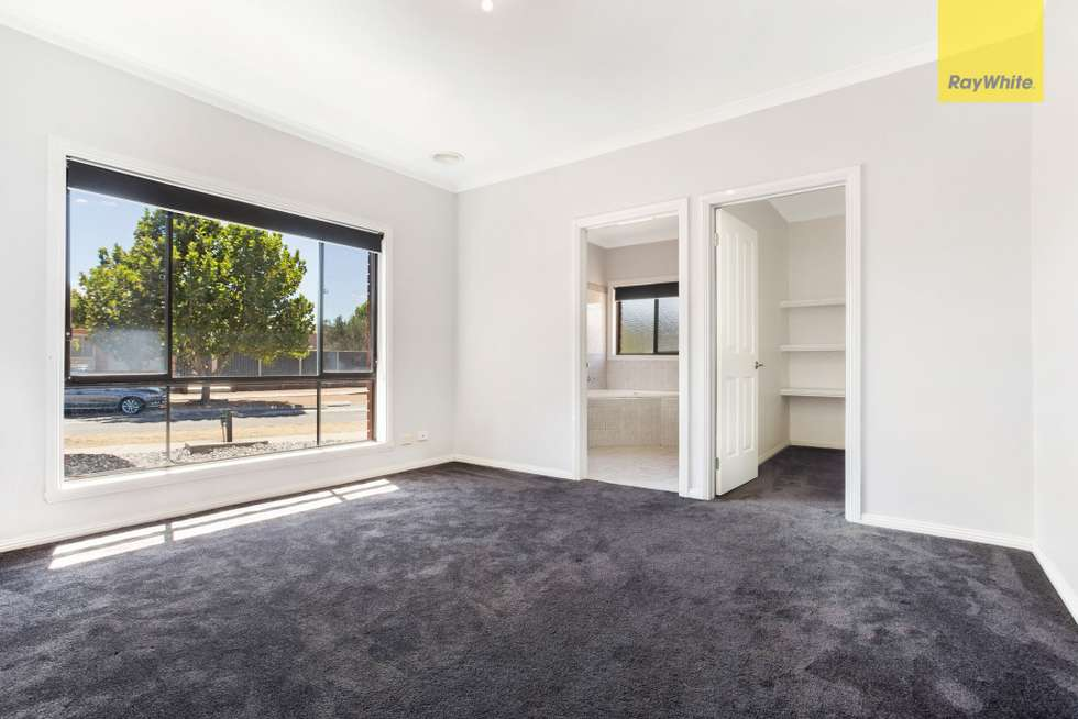 Fifth view of Homely house listing, 32 Cambridge Crescent, Taylors Lakes VIC 3038