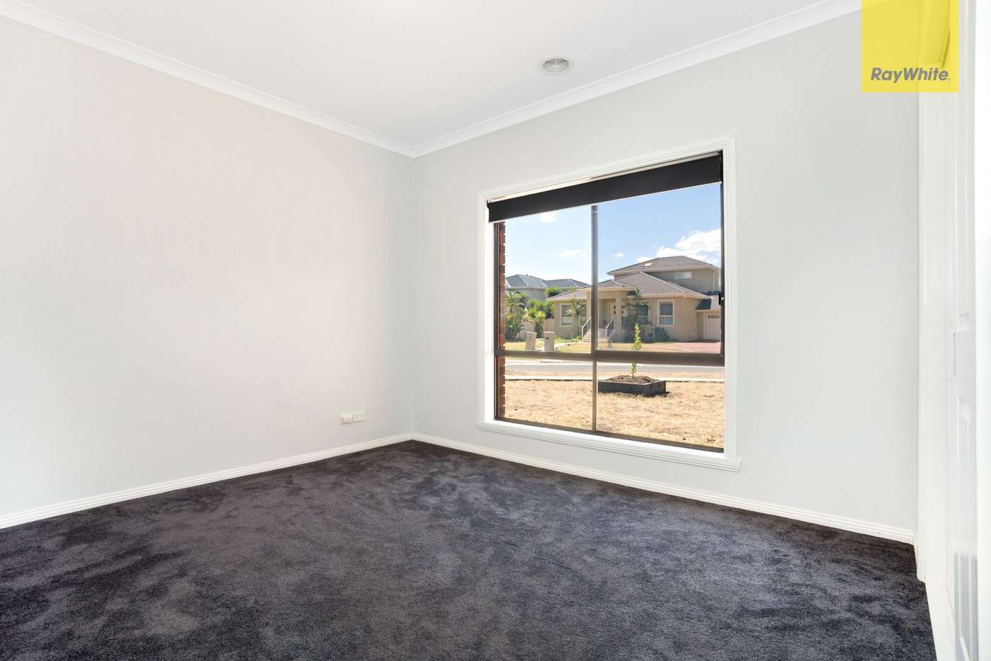 Seventh view of Homely house listing, 32 Cambridge Crescent, Taylors Lakes VIC 3038