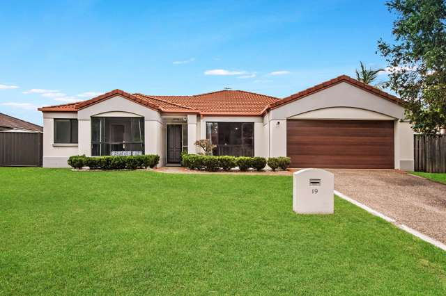 19 Barrs Avenue, Oxenford QLD 4210