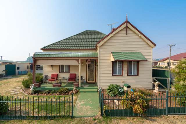 6 Loftus Street, Blayney NSW 2799