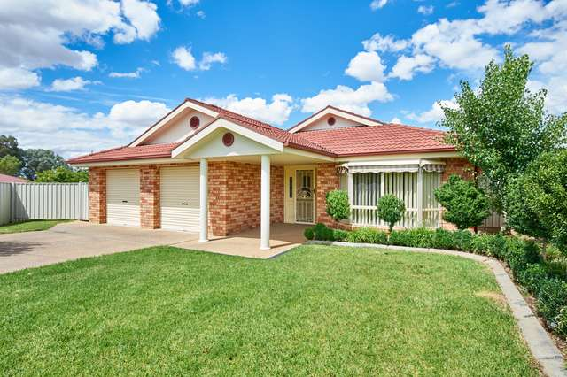 6 Yeomans Place, Kooringal NSW 2650