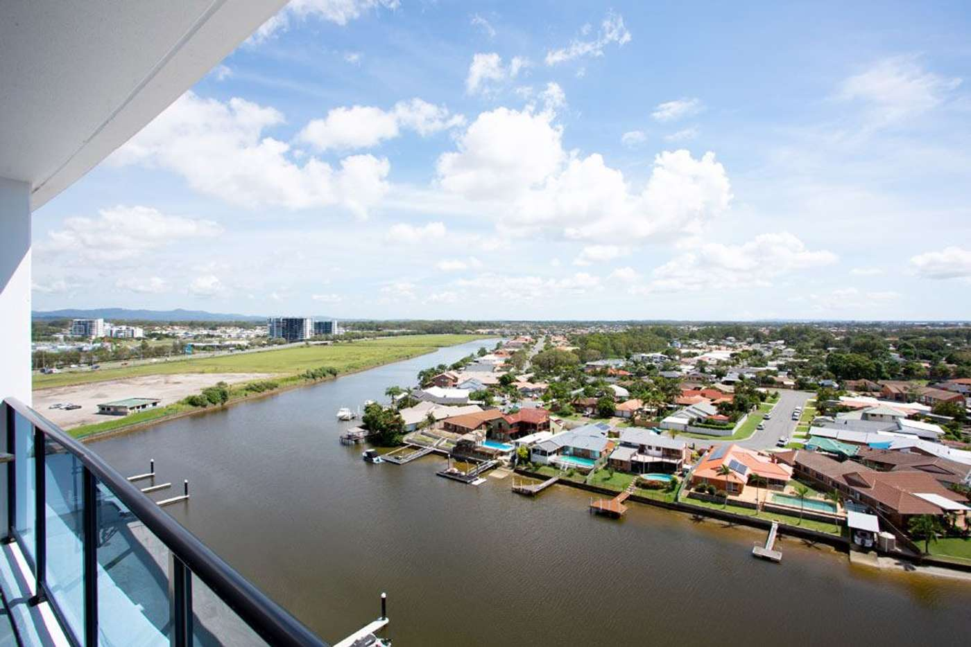 Main view of Homely unit listing, 31005/5 Harbour Side Court, Biggera Waters QLD 4216