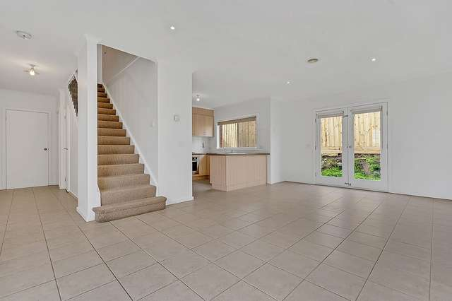 7/32 Papworth Place, Meadow Heights VIC 3048