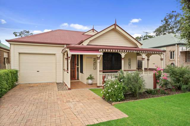 20 Chelsea Place, Forest Lake QLD 4078