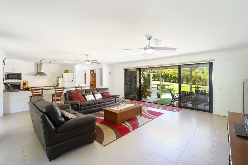 Second view of Homely house listing, 2 Belwood Place, Pomona QLD 4568