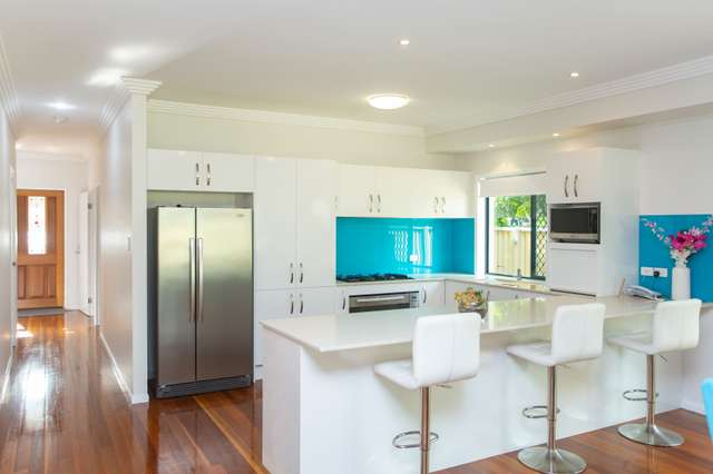 1/16 Chester Terrace, Southport QLD 4215