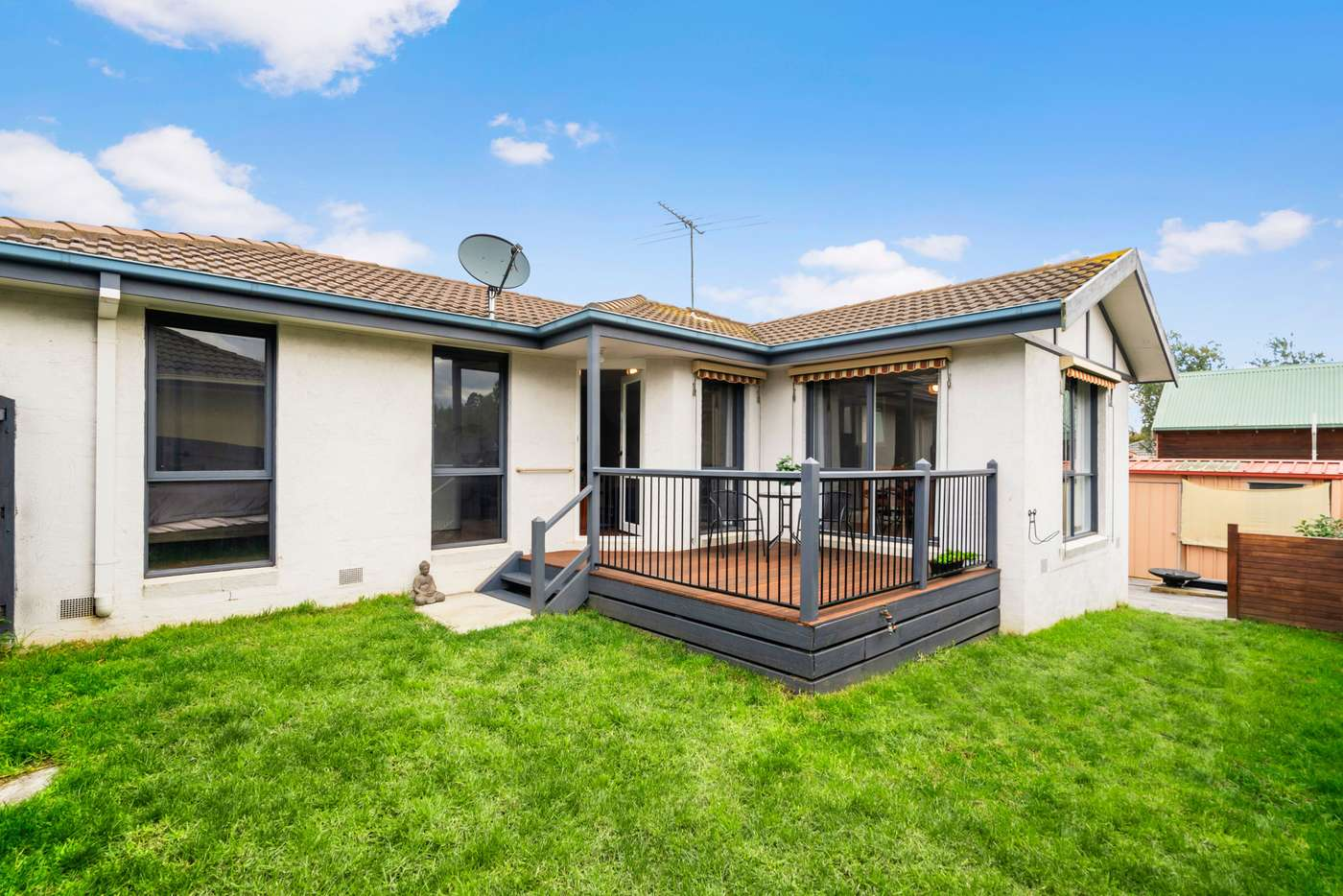 Main view of Homely townhouse listing, 2/7 Kevin Street, Mount Waverley VIC 3149