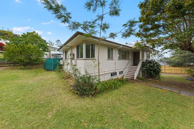 1 Diamond Street, Holland Park QLD 4121