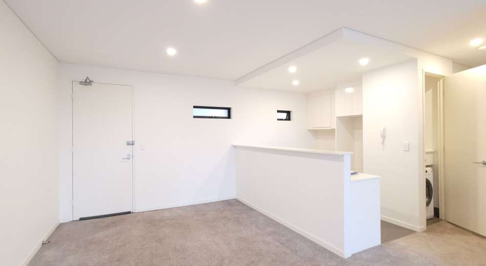 2/556 Forest Road