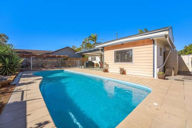 12 Vista Court, Newport QLD 4020