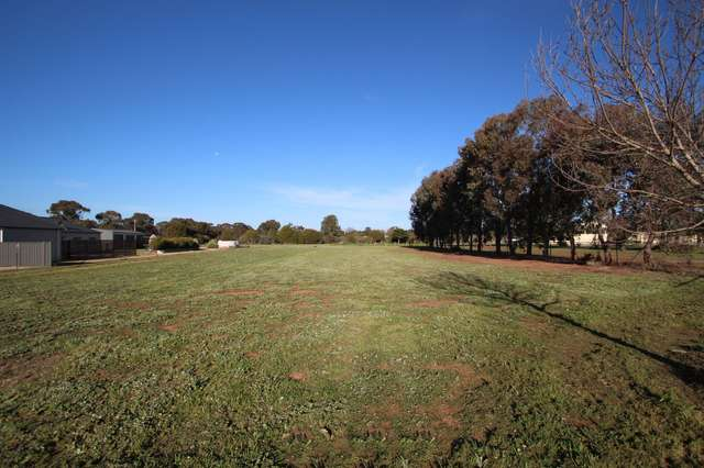 11 Franks Road, Barooga NSW 3644