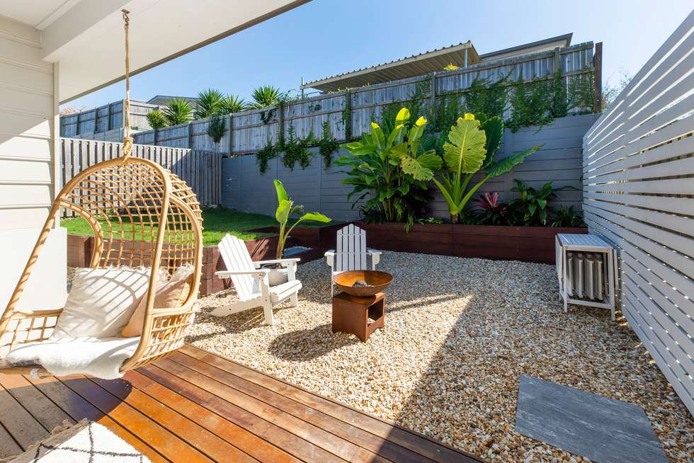 Second view of Homely semiDetached listing, 1/19 Joshua Place, Oxenford QLD 4210