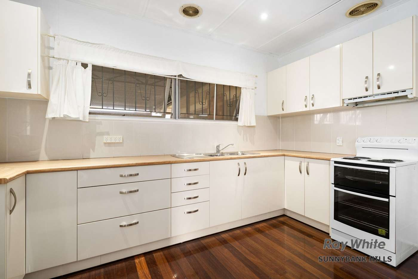 Fifth view of Homely house listing, 137 Dawson Road, Upper Mount Gravatt QLD 4122