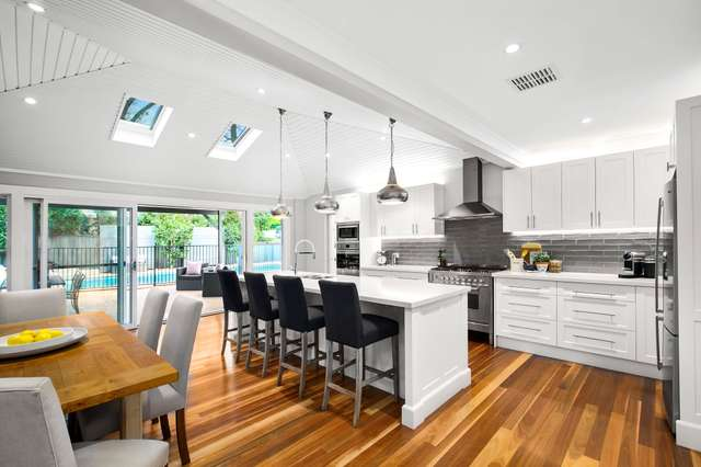 10 Romney Road, St Ives NSW 2075