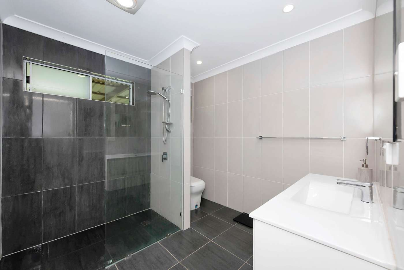 Sixth view of Homely house listing, 2 Lupin Court, Annandale QLD 4814
