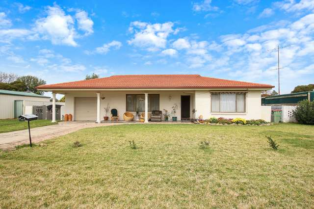 72 James Cook Avenue, Howlong NSW 2643