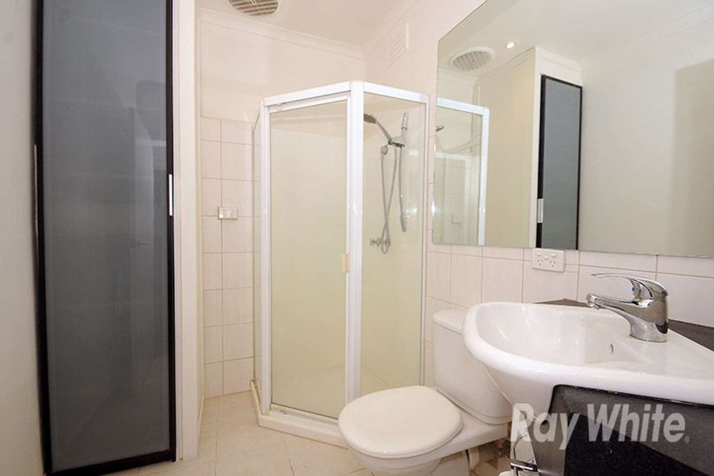 Sixth view of Homely unit listing, 2/19 Anthony Drive, Mount Waverley VIC 3149
