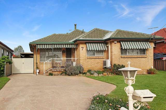 7 Fernlea Place, Canley Heights NSW 2166