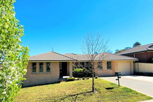 1 Hambrook Place, Young NSW 2594