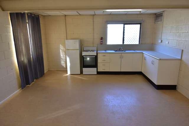 1/156 Crane Street, Longreach QLD 4730