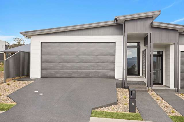 27 Upland Chase, Albion Park NSW 2527